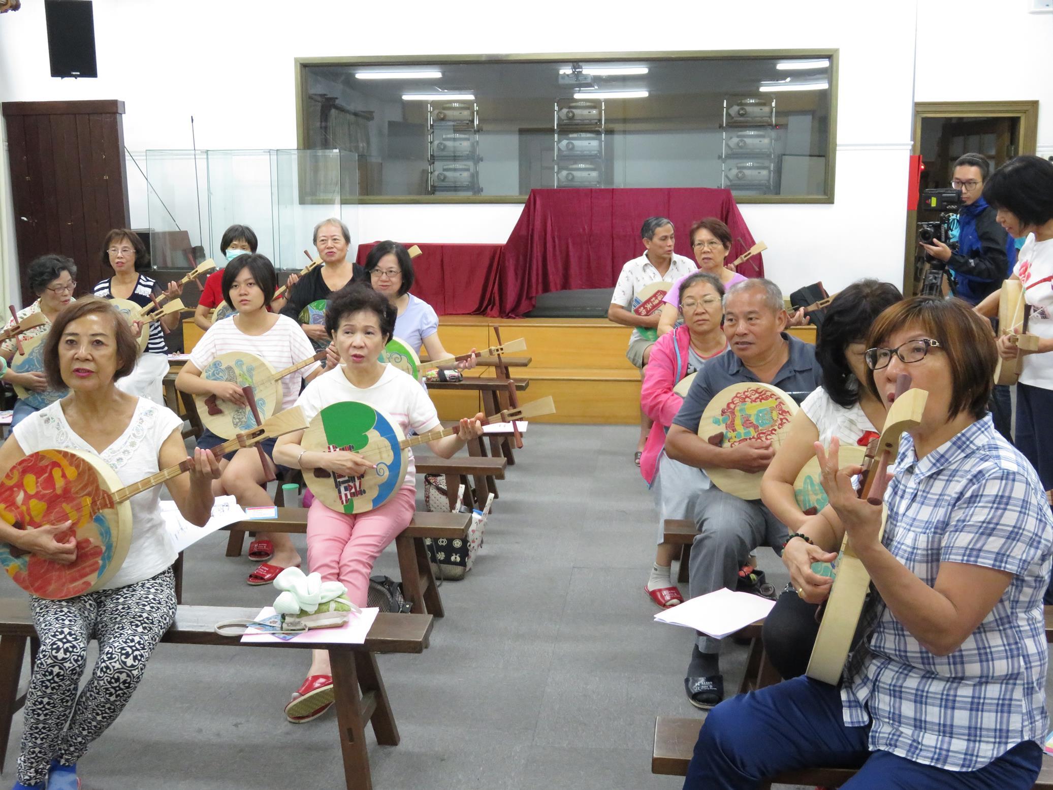 20160829_志工月琴祭體驗課03