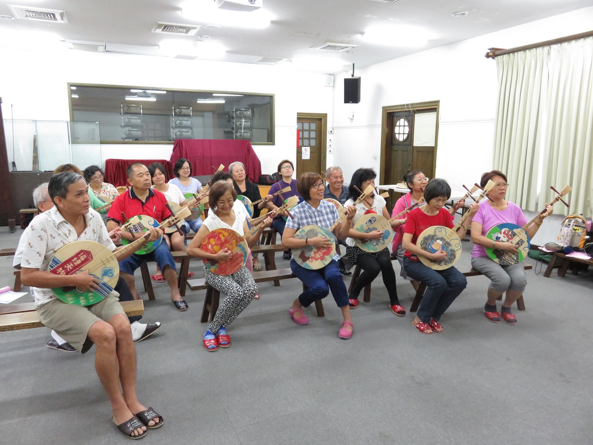 20160829_志工月琴祭體驗課06