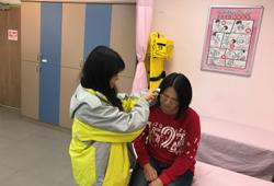 園區初級救護技術員可依遊客身體狀況給予妥適之照料或安排就醫。