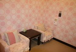遊客服務中心旁設有4間哺集乳室