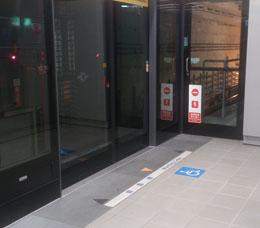 輪椅專屬候車區-淡水信義線、松山新店線、中和新蘆線、板南線