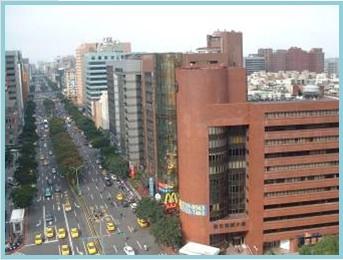 中山區第二期重劃後,主要道路寬敞,帶動經濟活動