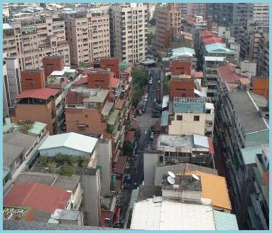 中山區第四期重劃後,地籍完整,興建住宅,開闢道路,促進地方發展