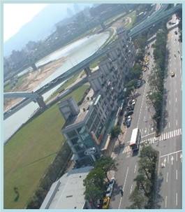 松山區第五期重劃後,主要道路寬敞,帶動各項產業發展