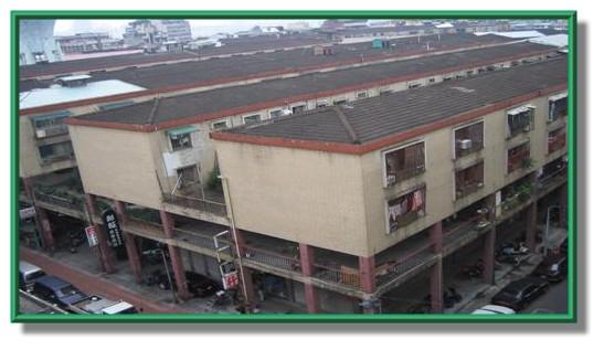 社區特色 住宅屋頂一律覆蓋紅色土瓦