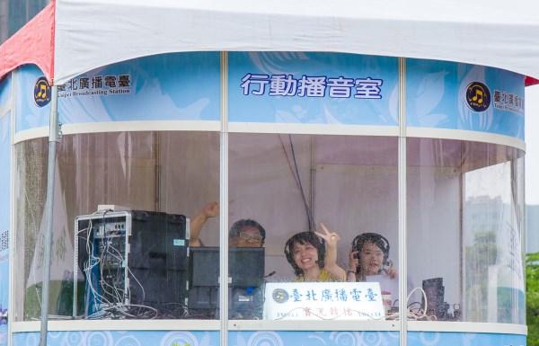 光州世大運聖火傳遞活動-行動播音室主持人合影