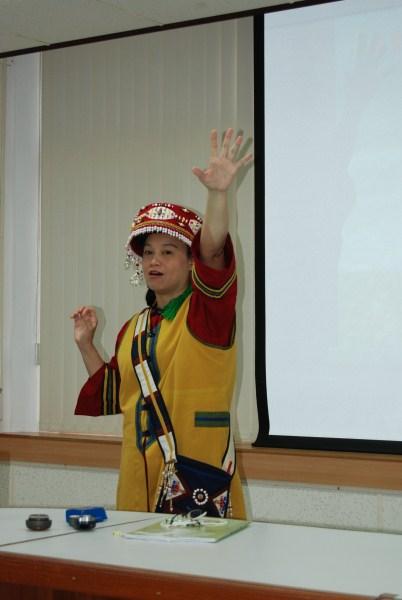 小茉莉老師的活潑演講