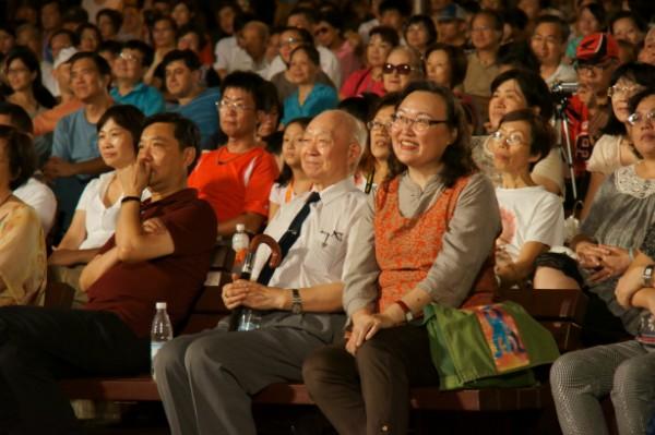 演唱會現場觀眾精彩互動_1