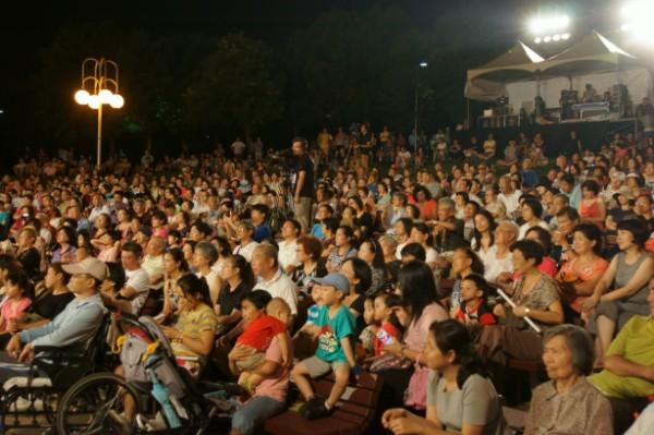 演唱會現場觀眾精彩互動_2
