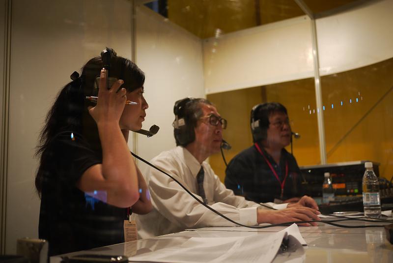 (另開視窗)花博總召集人丁錫鏞顧問於花博閉幕晚會在行動播音室接受訪問3