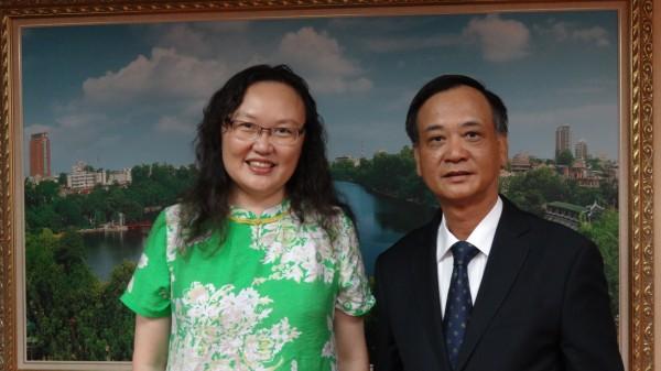 駐臺北越南經濟文化辦事處代表裴仲雲錄製賀詞7