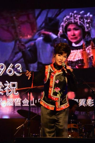 歌手呂雪鳳演唱經典老歌梁祝