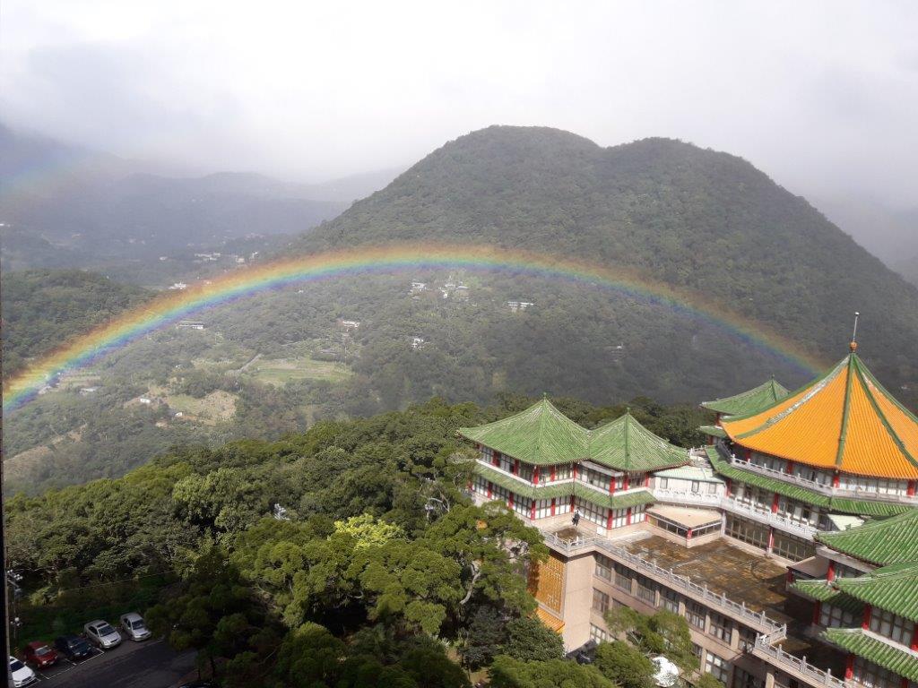 破金氏世界紀錄的陽明山彩虹,文化大學是追尋彩虹的絕佳據點(圖-文化大學周昆炫教授提供)