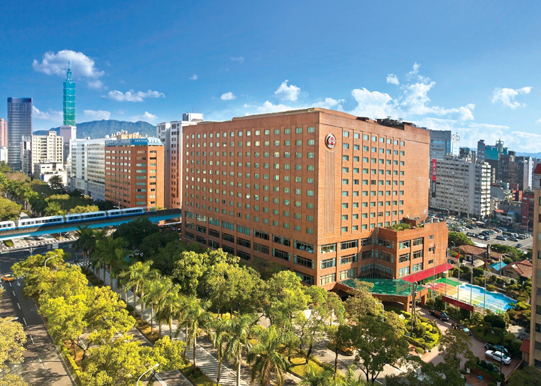 來投票就有機會獲得臺北五星級福華飯店(臺北館)住宿券