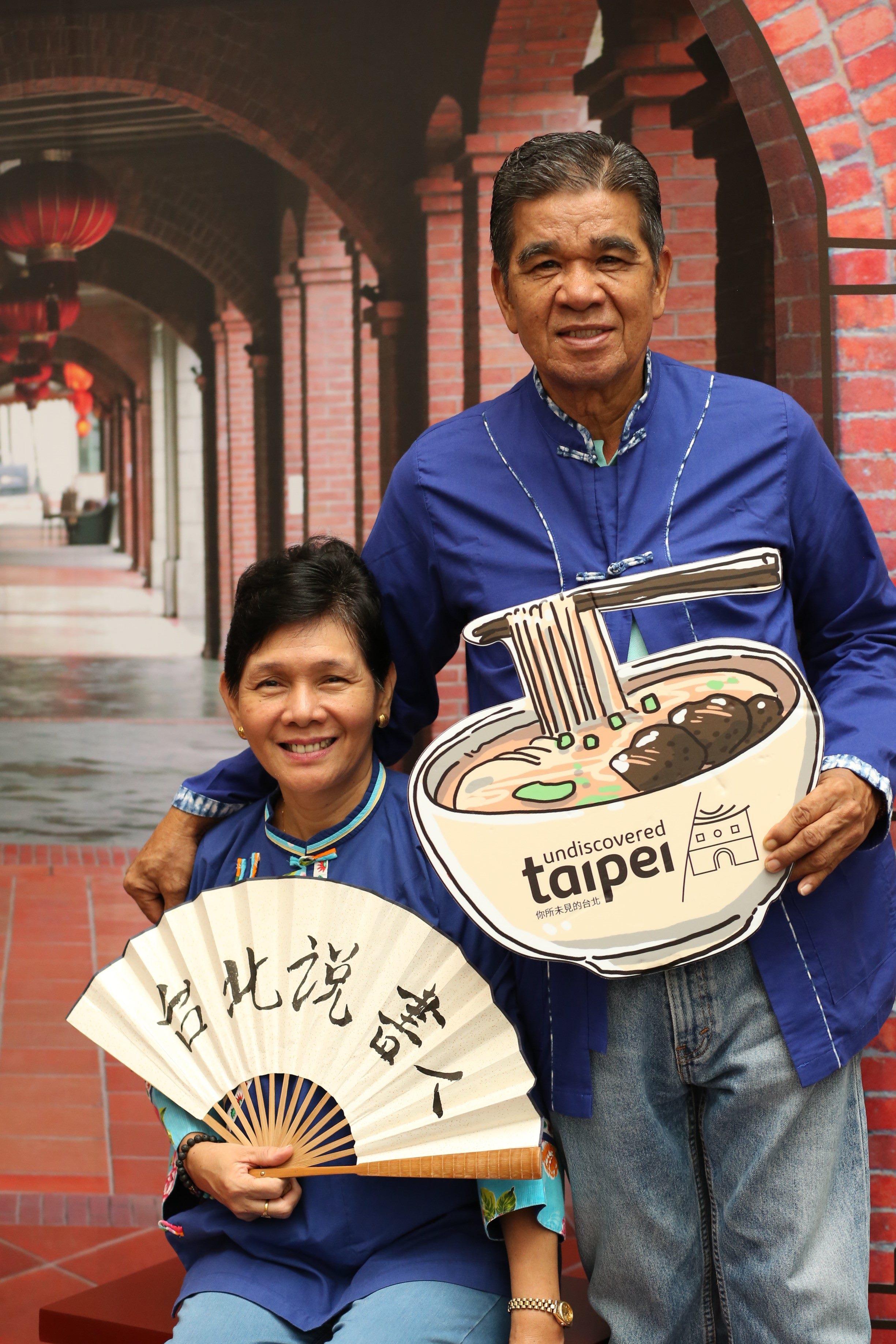 大稻埕十連棟拍照區提供變裝體驗,讓民眾彷彿一秒回到臺北舊城區