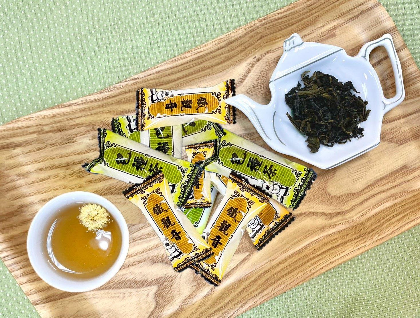 來臺北旅遊必買伴手禮之一的特色茶葉牛軋糖,下單後也能馬上品嚐到