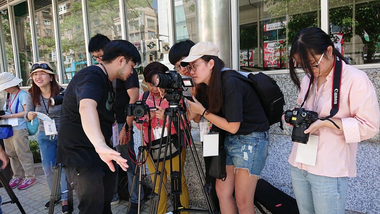 北市觀光傳播局提供市民如何拍片報導地方的免費課程。
