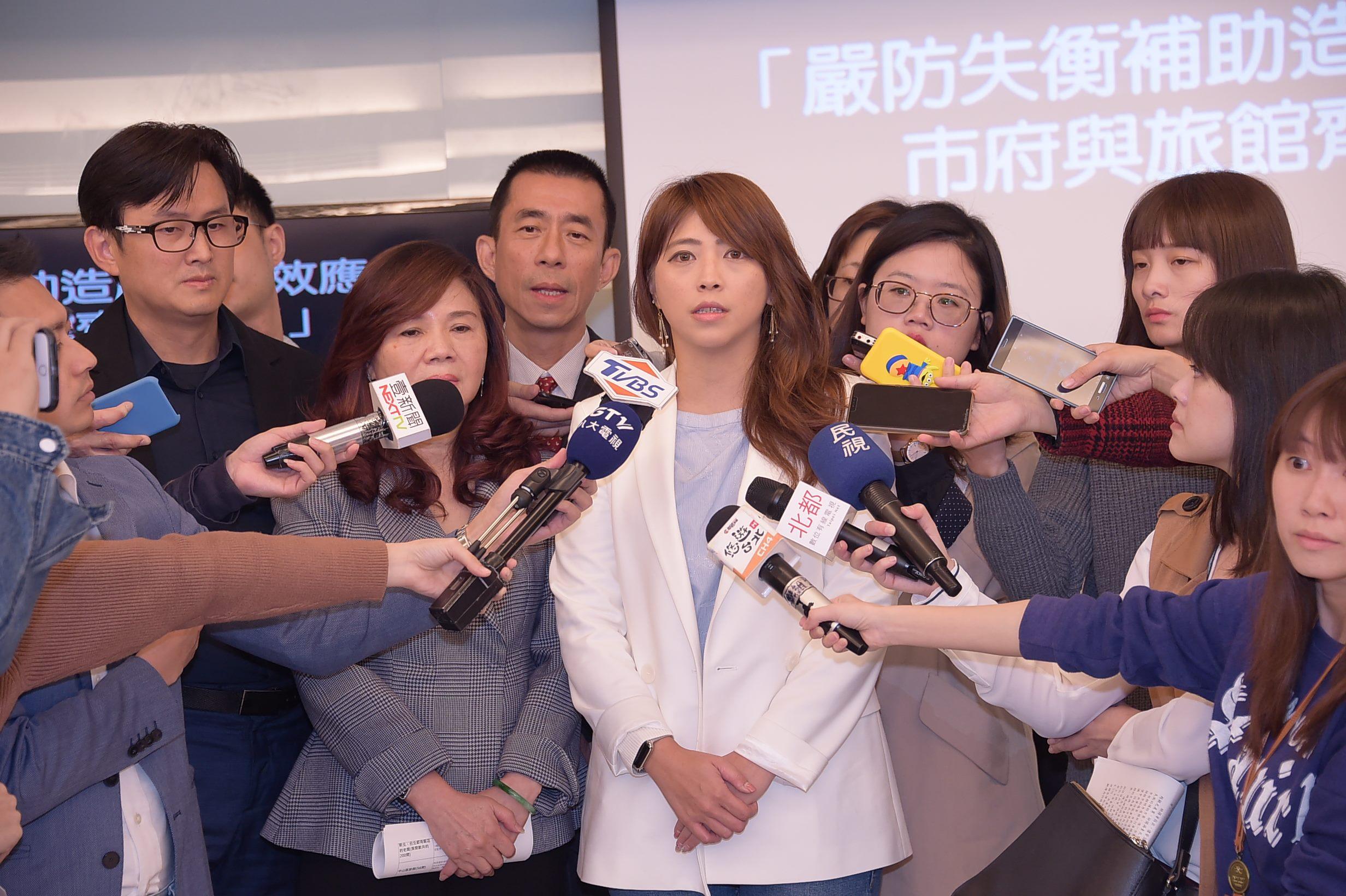 觀傳局長陳思宇表示中央發布擴大國旅方案排除臺北市等3個縣市,對地方業者是變相懲罰