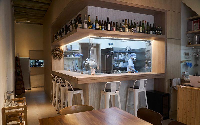 慢慢弄乳酪坊的空間設計可以一邊用餐、一邊觀察乳酪製作過程。