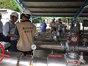 The joint safety task force inspecting gas equipment (2)