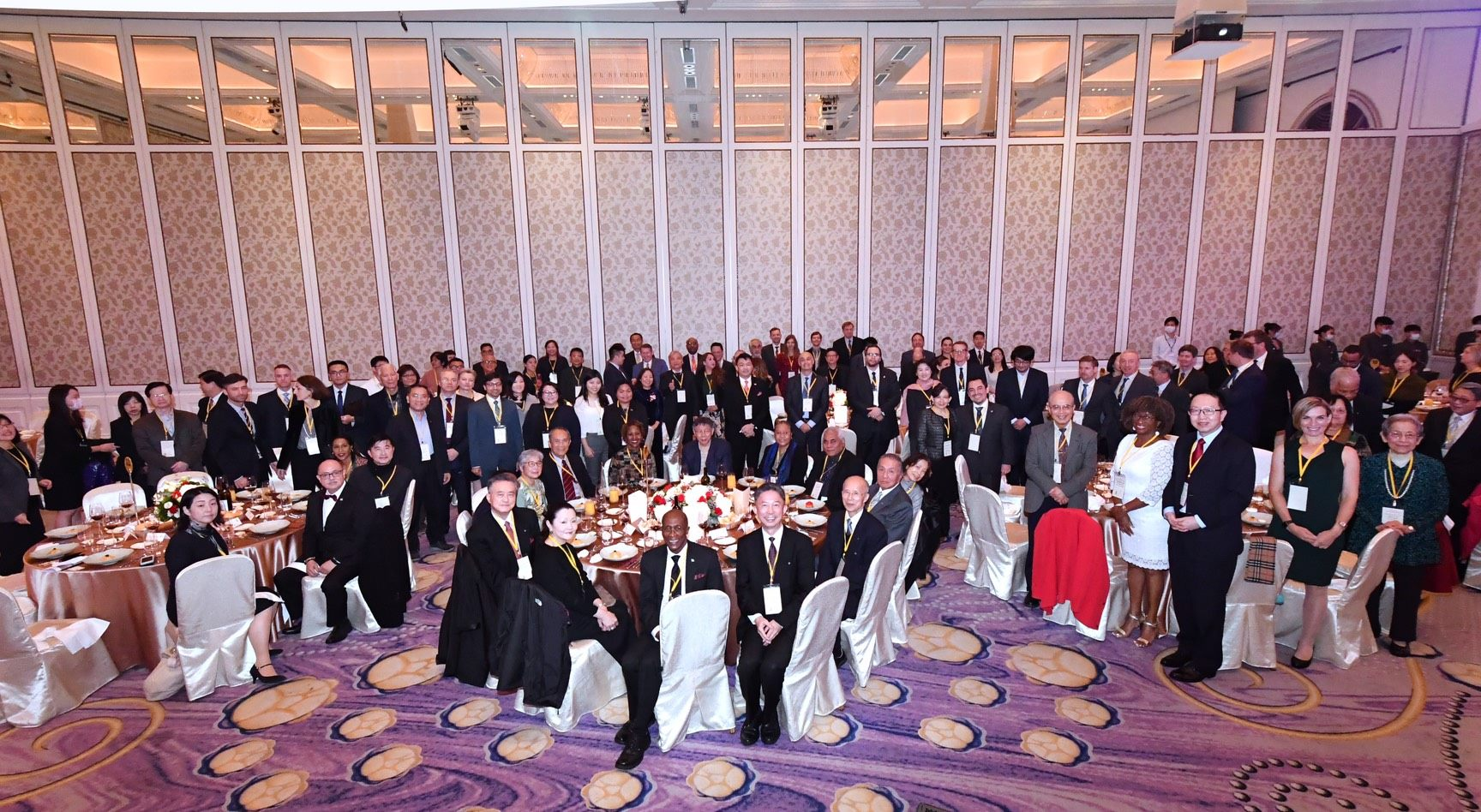 Mayor Ko Hosted a Year-End Appreciation Banquet to Strengthen International Ties