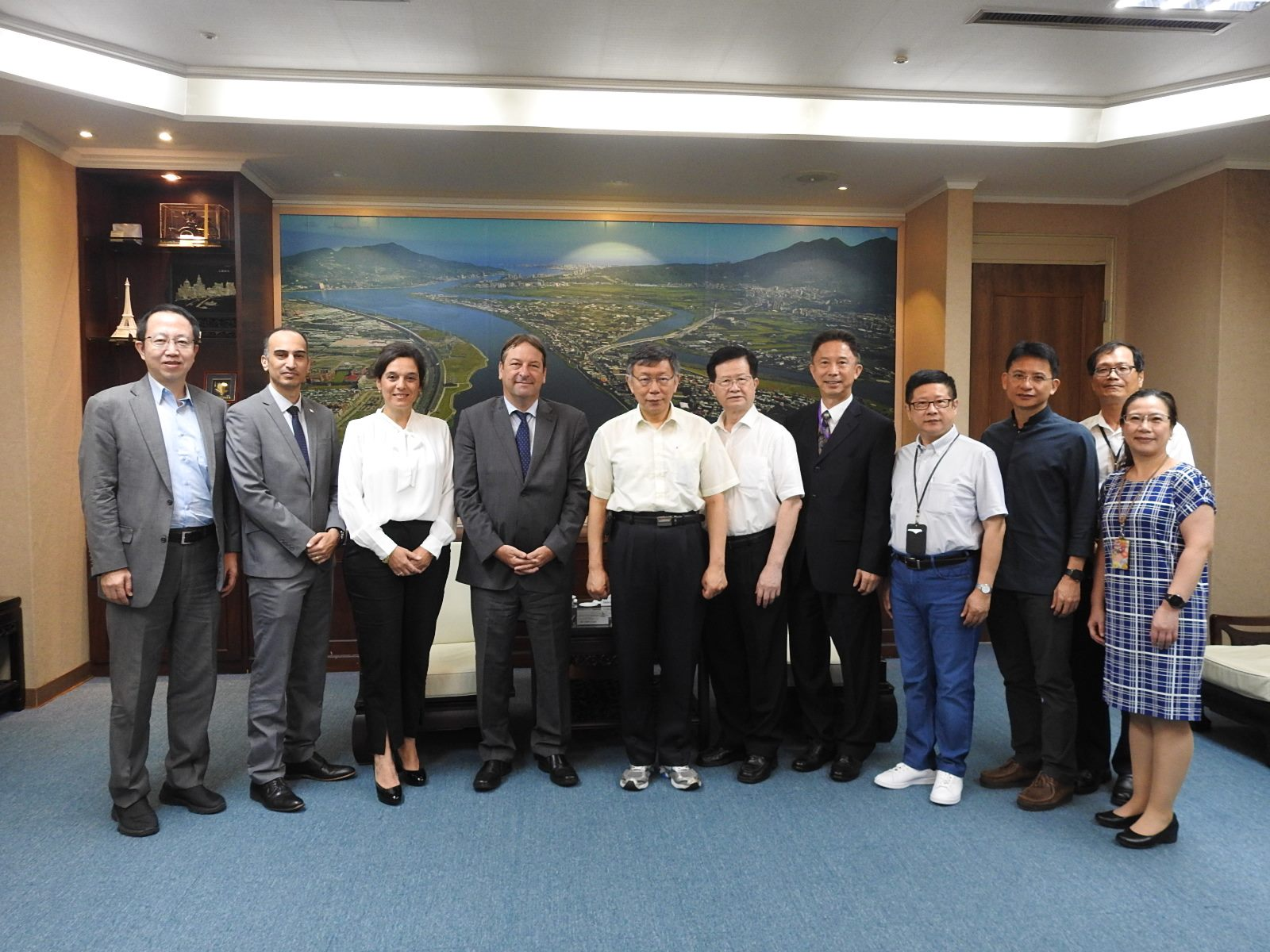 Rep. Omer Caspi of the Israel Economic and Cultural Office in Taipei Visited Mayor Ko