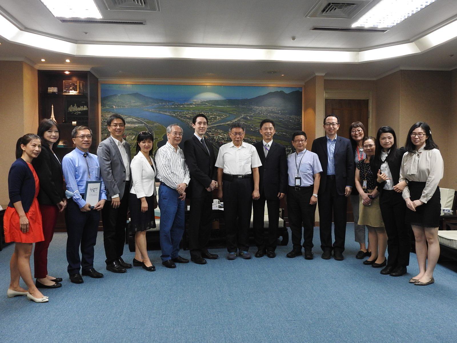 Representatives of the American State Offices Association (ASOA) Visit Mayor Ko