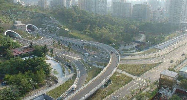 Xinyi Expressway and Xiangshan Tunnel