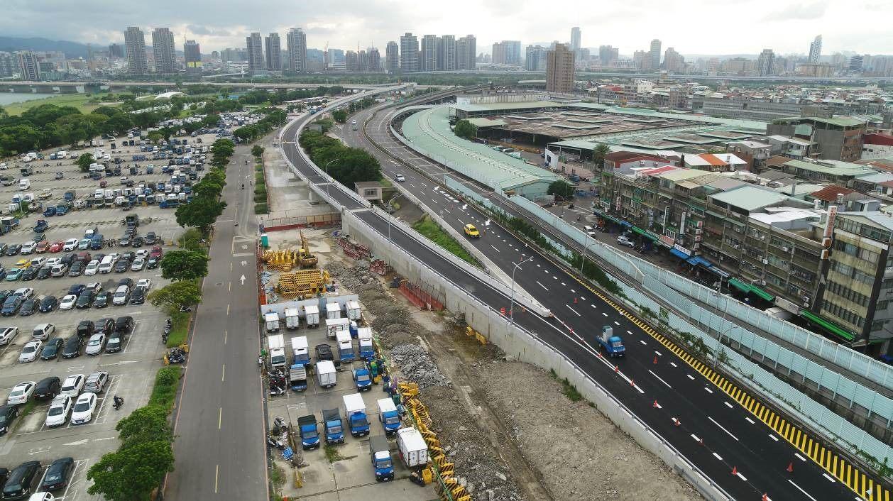 華中橋增設匝道銜接水源快速道路 完工照片2