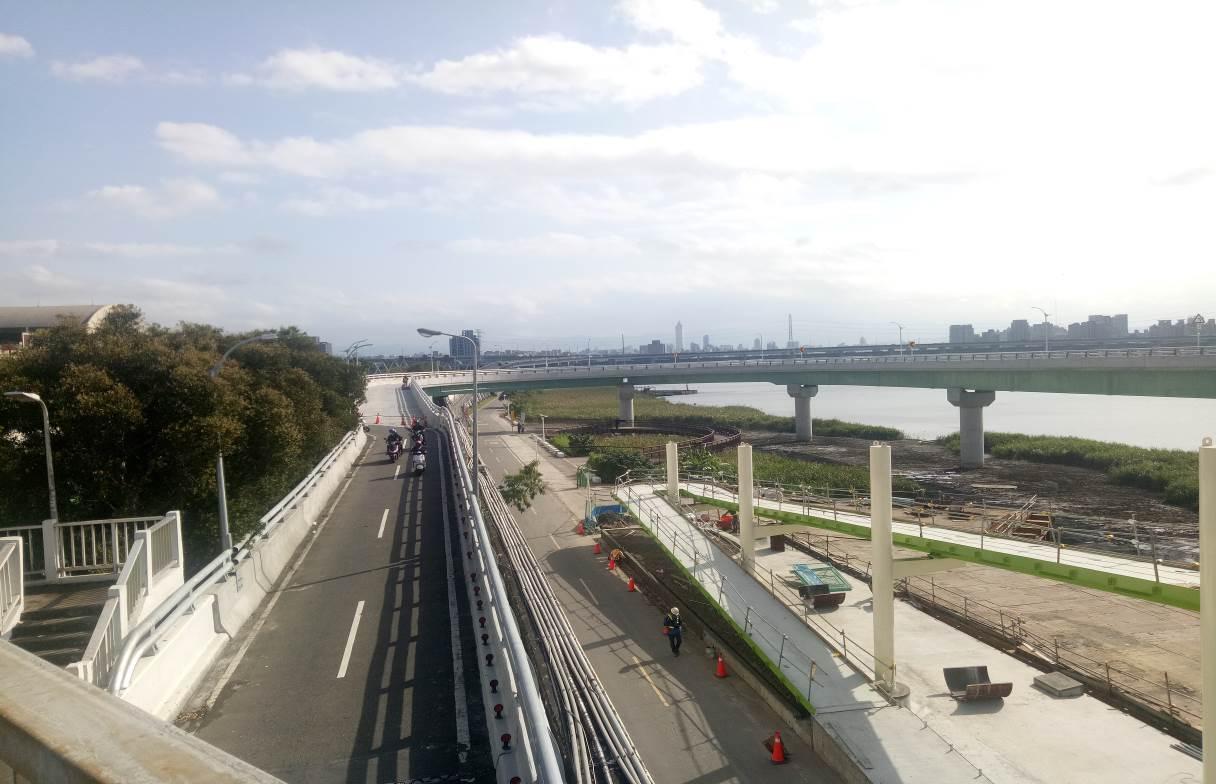 重陽橋南側新設機車引道完成照片一