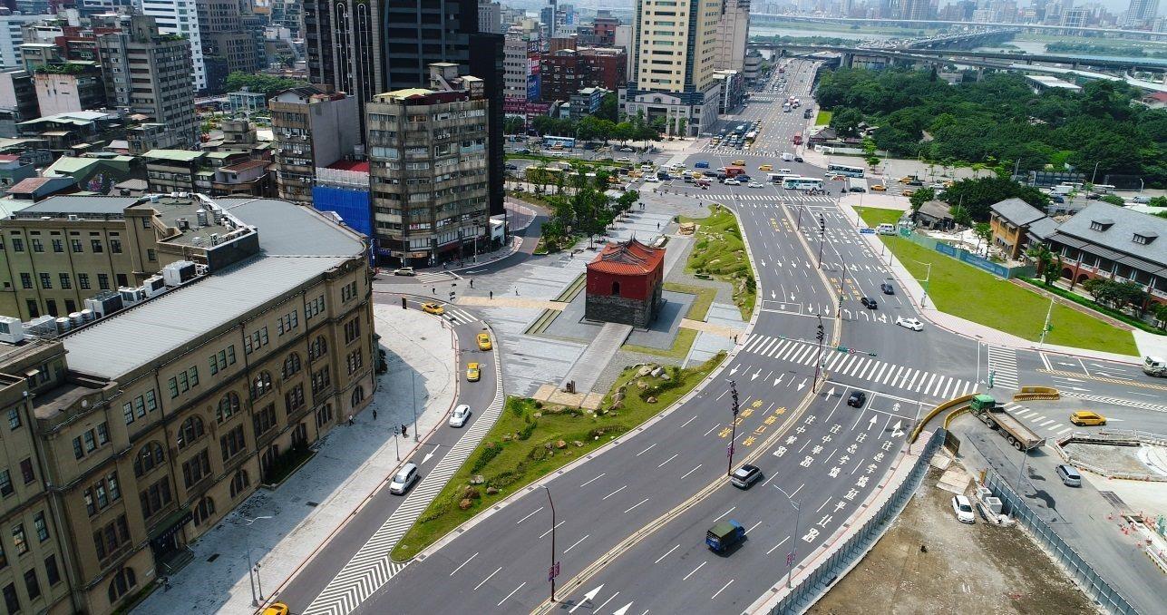 Demolition of Zhongxiao Bridge Access Road