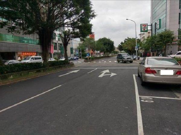 行忠路道路更新,標線及停車格位重繪