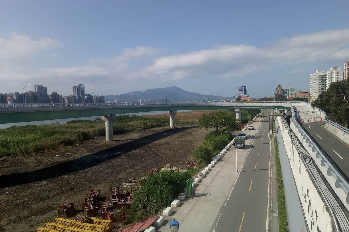 重陽橋北側新設機車引道完成照片一