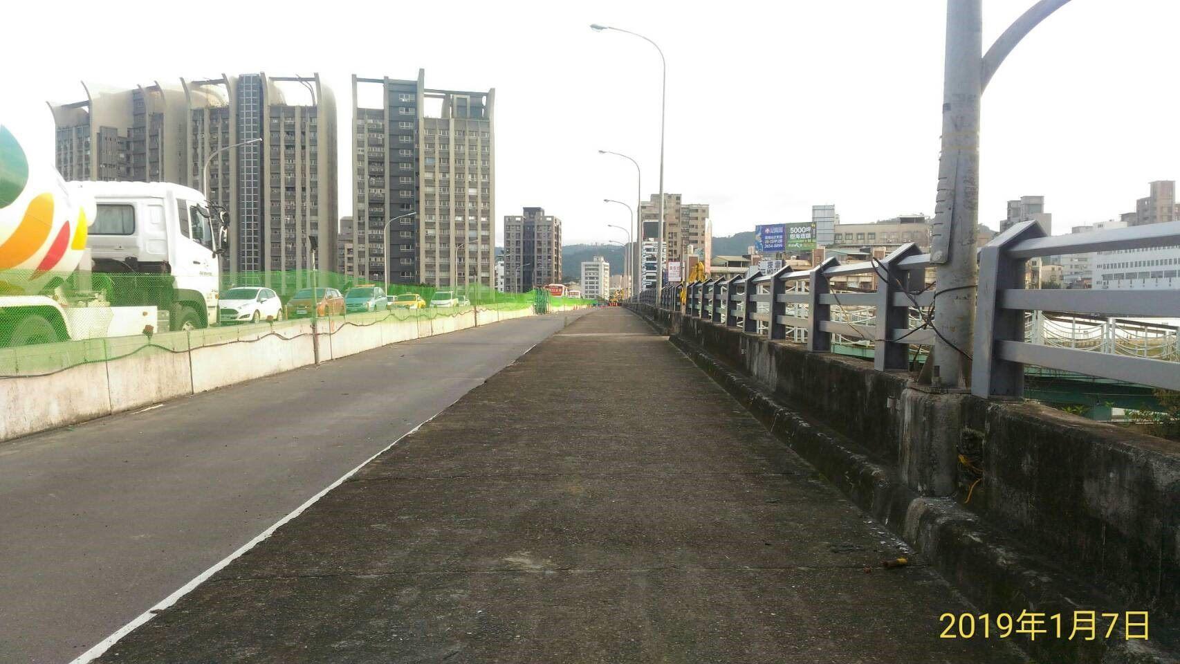 成功橋主橋段下游側道路封閉相片