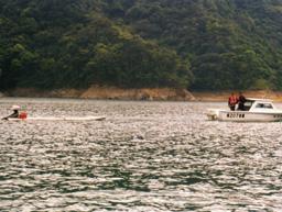 取締違規船筏照片