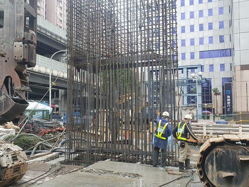 862  B2區連續壁單元鋼筋籠吊放施作-109.04.02