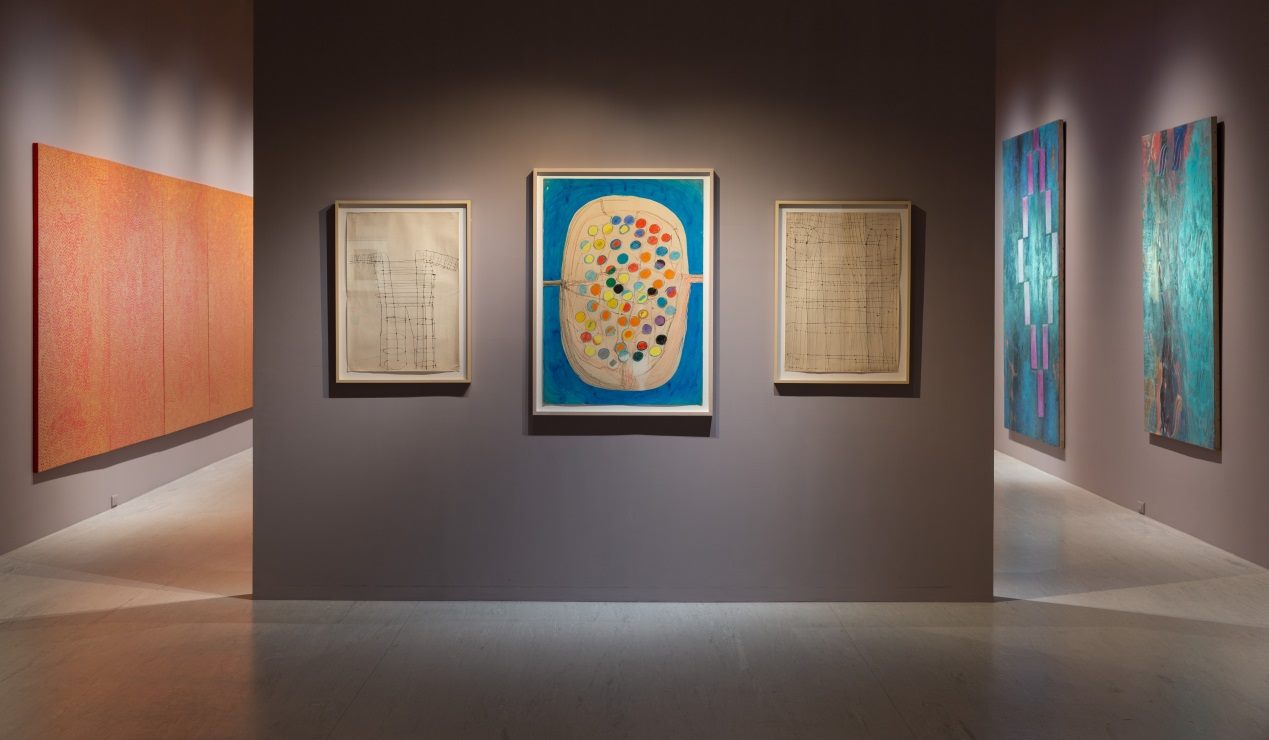 """Japanese artist Atsuko Tanaka's """"Drawing after Electric Dress"""" (center) at the TFAM"""