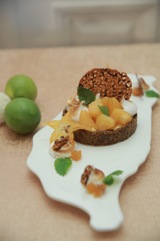 美食名人王凱傑(Jason Wang)創作臺菜甜點