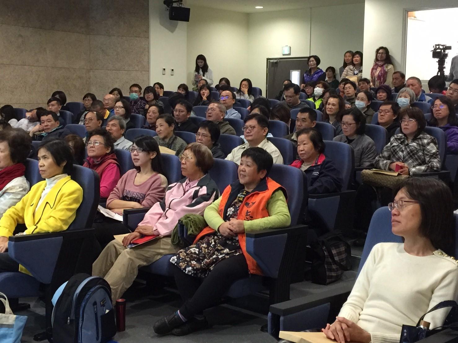 106年度生命教育講座第2場照片2 - 觀眾滿座