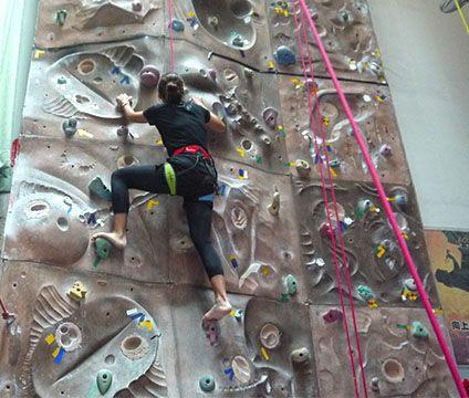想學攀岩不是夢,初級攀岩等你來挑戰~