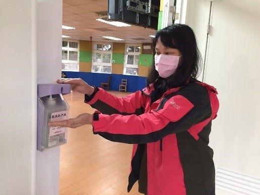 生活區、電梯門皆有乾洗手