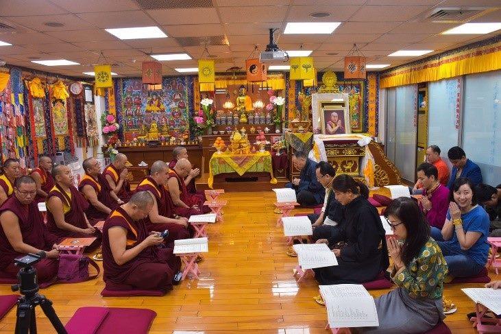 照片1--結合民族及宗教儀式的西藏新年祈禱