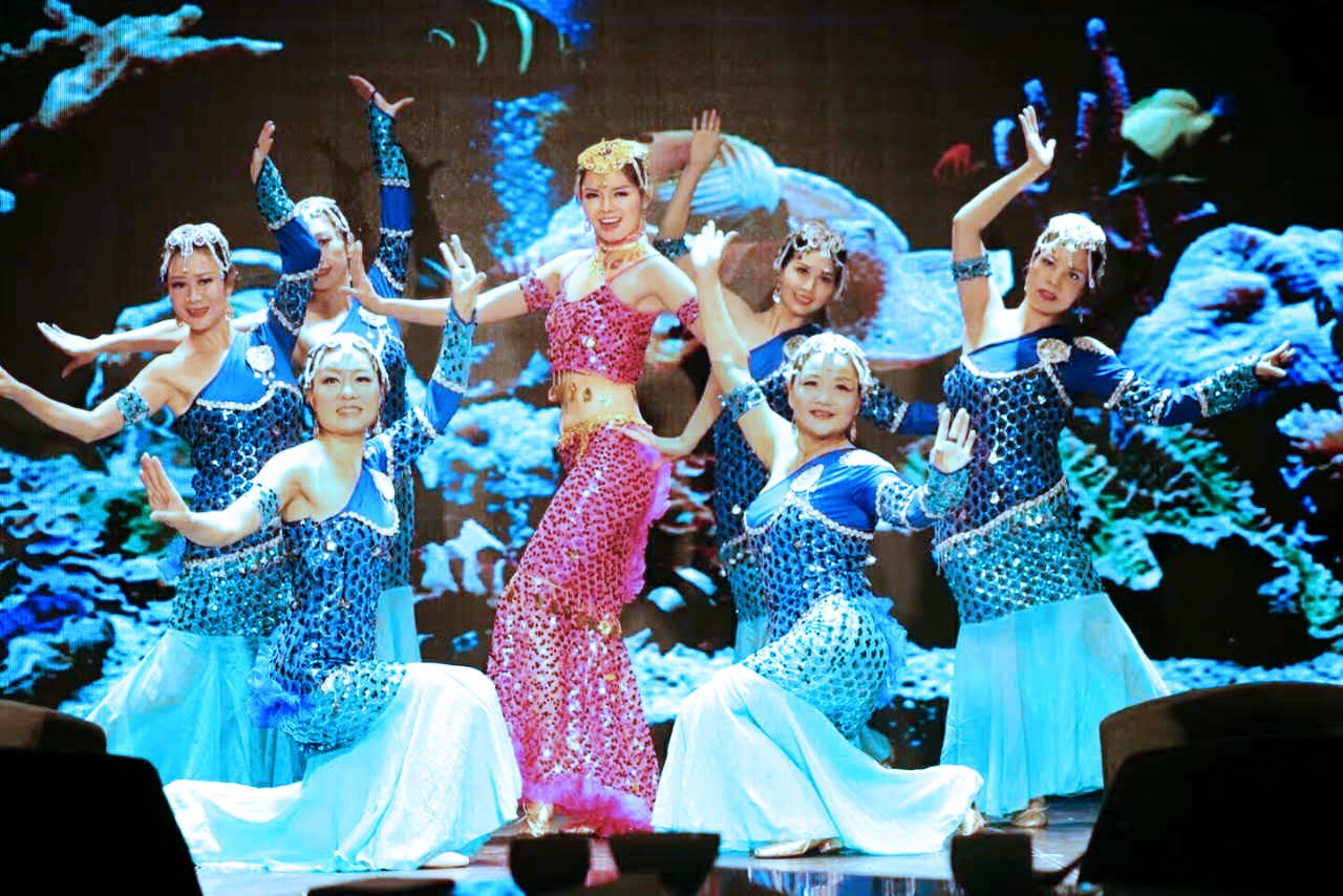 東方炫舞舞蹈團 中秋節表演照片