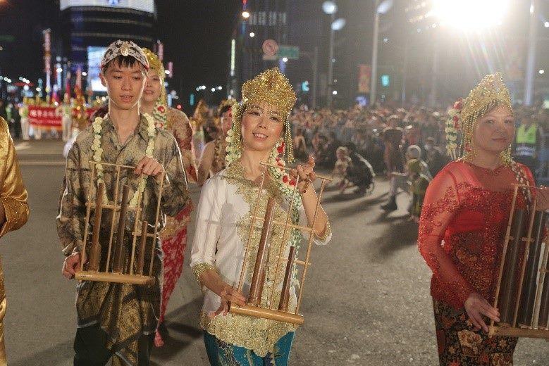 印尼竹琴清脆悅耳的聲音獲得全場熱情掌聲
