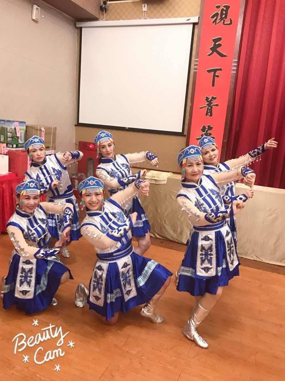 舞動心炫舞團 中秋節表演前合照