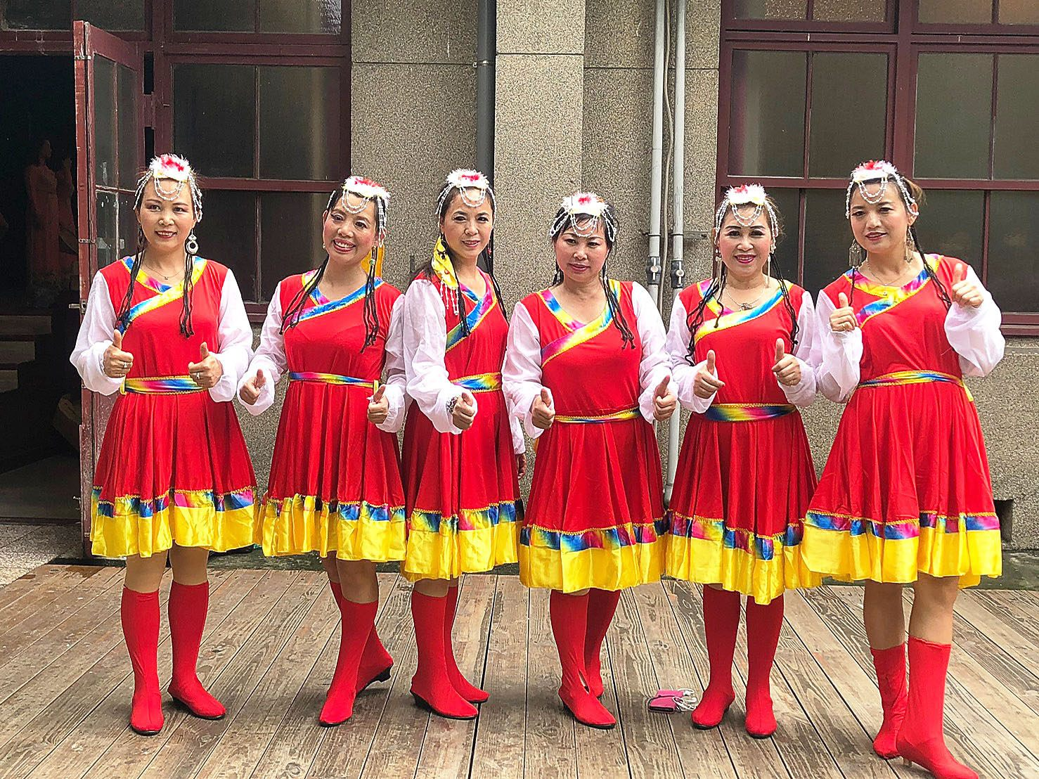 Happy Angel Dance Group photo with Traditional costume