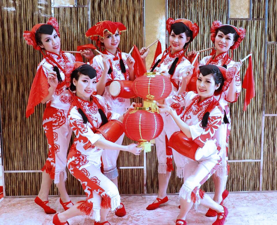 Oriental Dance Hyun group photos on Traditional Chinese costume