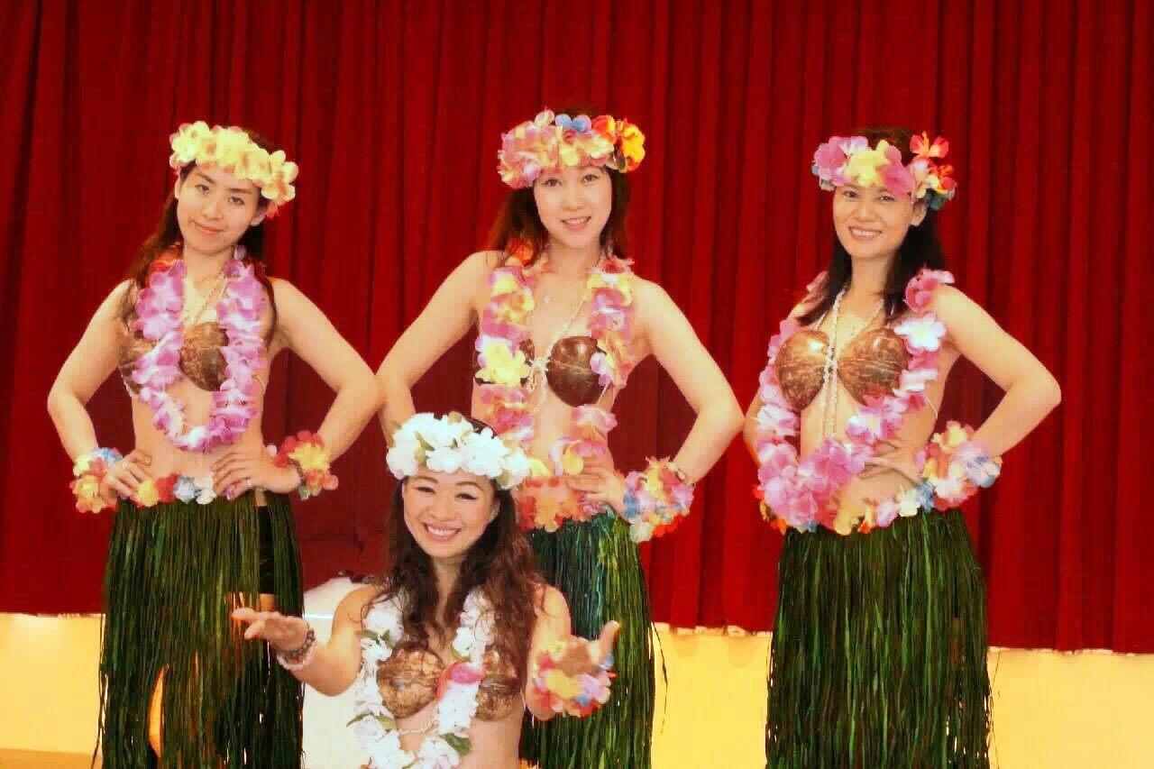 台湾新動力ダンスグループのパフォーマンス