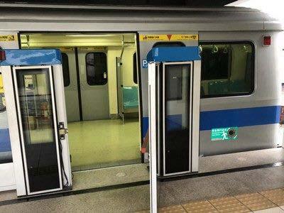 列車逃生區