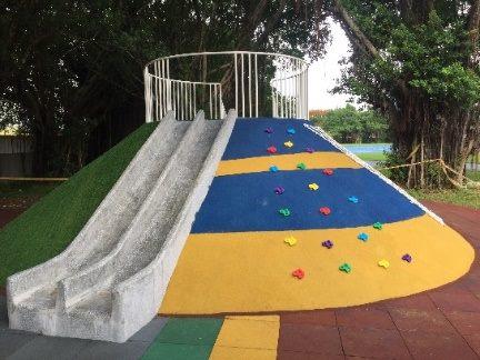水泥滑梯攀岩